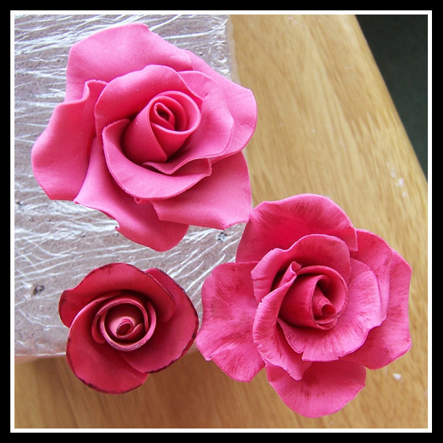 Cake Decorations Pink Roses : Pink roses
